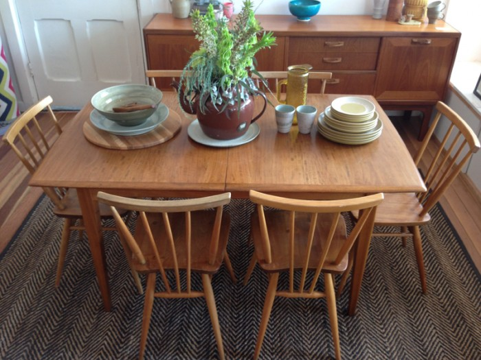 one-small-room-ercol-gplan-table-armadillo-rug-denby
